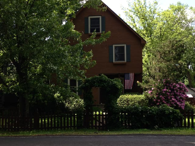 Feel at Home in Wycombe, PA! - Furlong - House