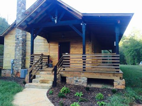 Mill Pond Lodge on Jacob Fork River