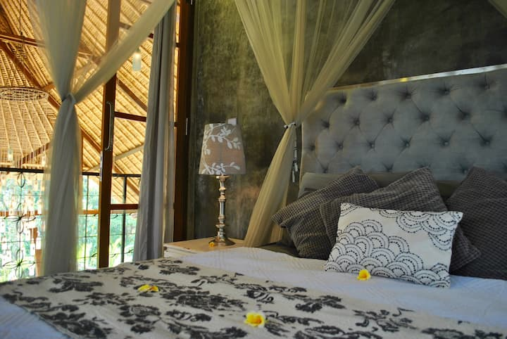 Firefly Eco-Lodge-silver room