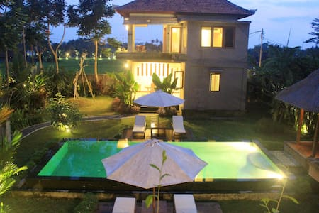 1 Romantic villa w/ Rice Field view