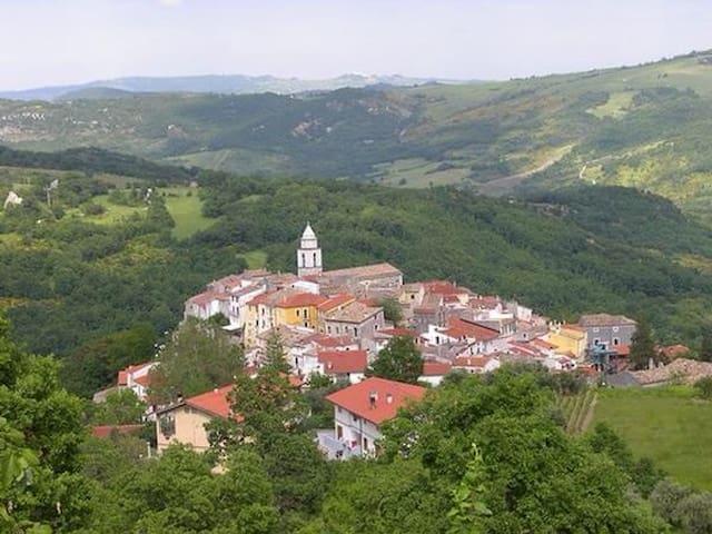 Grazioso bilocale vista panoramica - Civitanova del Sannio - อพาร์ทเมนท์