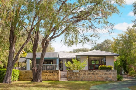 Big beautiful house near the ocean - Quindalup - Talo