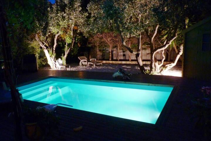 5'  plages dans villa avec piscine - Fréjus - House