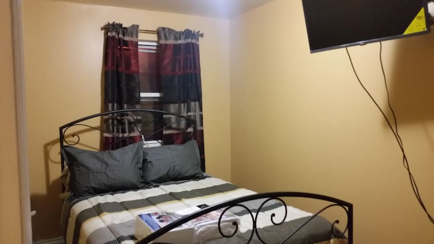 The Junior Suite - 15 mins to JFK - Jamaica Queens - Leilighet