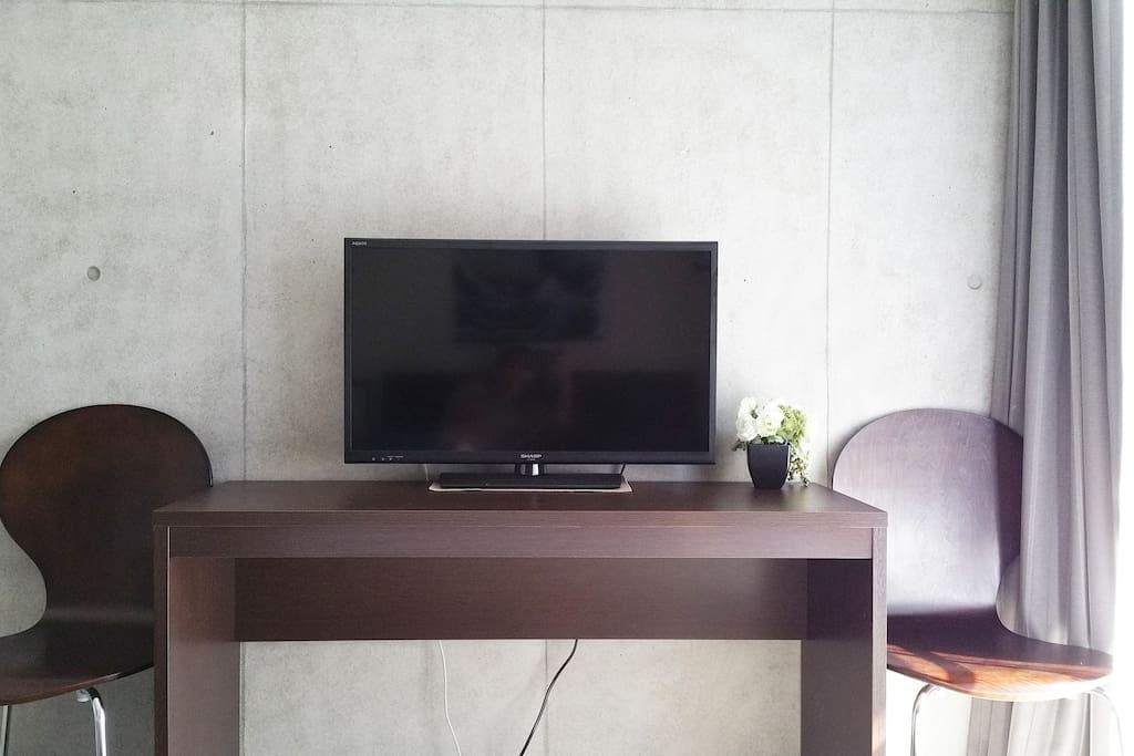"32"" Smart TV 智能电视"