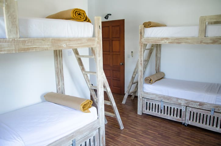 Bed in Female-only 4-bed Dorm - New Bagan - Bed & Breakfast