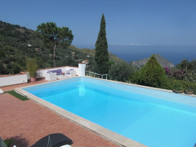 01 Villa with pool in Sicily Cefalù 5 bedrooms - Cefalù - Villa