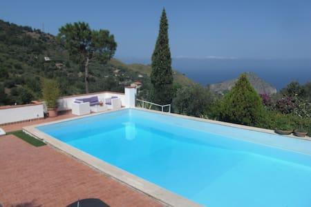 01 Villa with pool in Sicily Cefalù 5 bedrooms - Cefalù - Villa