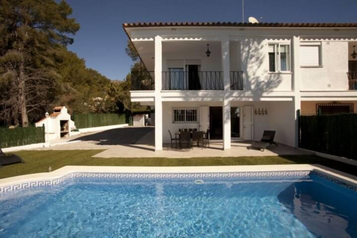 Alcossebre, belle villa  piscine, vue mer et Wifi - Alcossebre - House