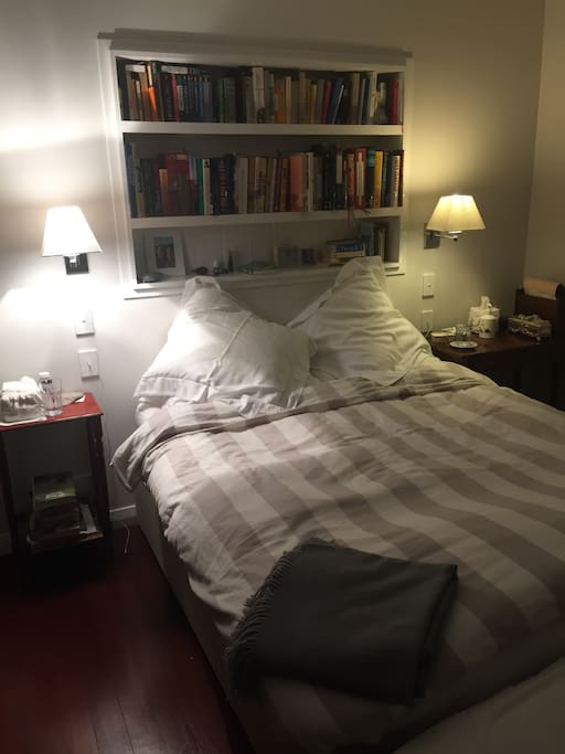 The main bedroom - queen sized bed