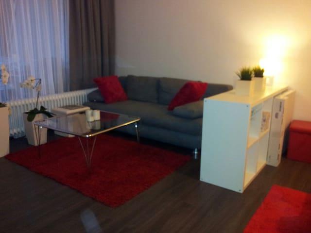 Wohnung an der Messe Laatzen WiFi - Laatzen - Lejlighed