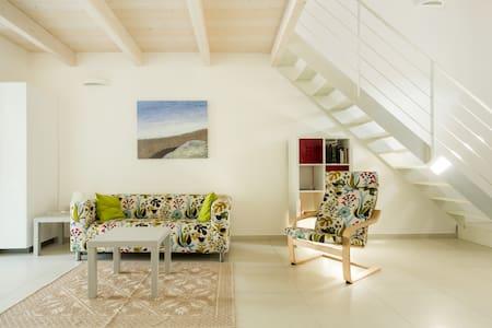 Design home (1) in genuine Sardinia - Cabras - Rumah bandar