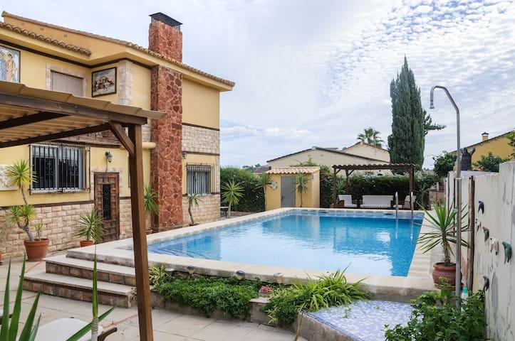 Casa a 15 kilómetros de valencia - Riba-roja de Túria - Chalet