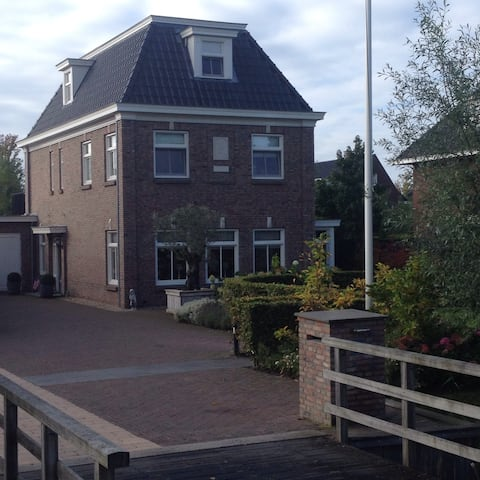 Guesthouse with private entrance in Dordrecht