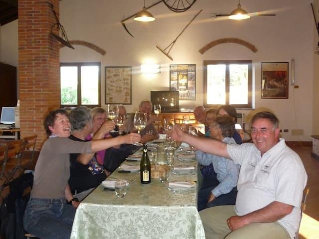 la sala comune con ospiti Svizzeri
