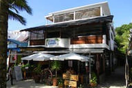 Boracay Big 3rd Floor Studio Apt 1 Minute to Beach - Malay - Appartement