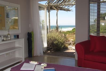Absolute Beach B&B - KING ROOM 2 - Saint Helena Bay