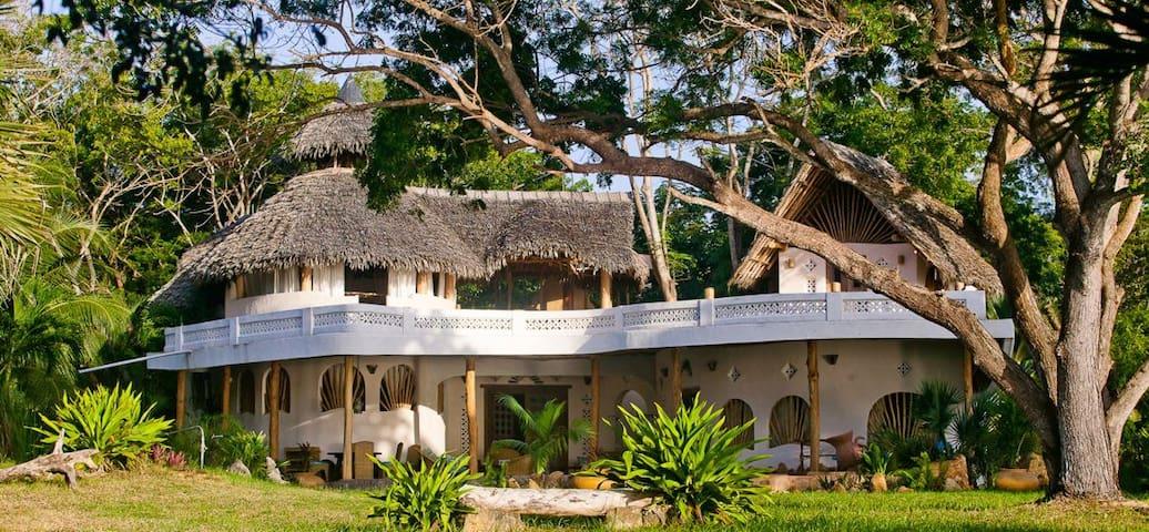 Luxury Ocean Front Family Villa Tiwi Beach Kenya..