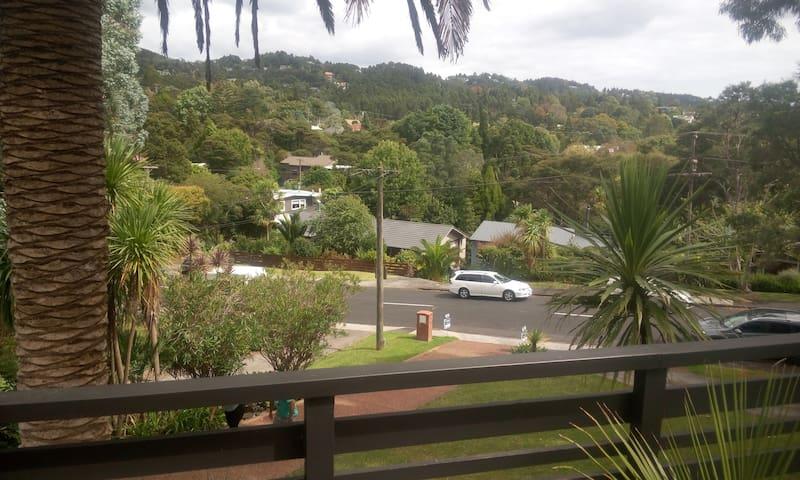 Bush View House 3 Bed Rm Titirangi