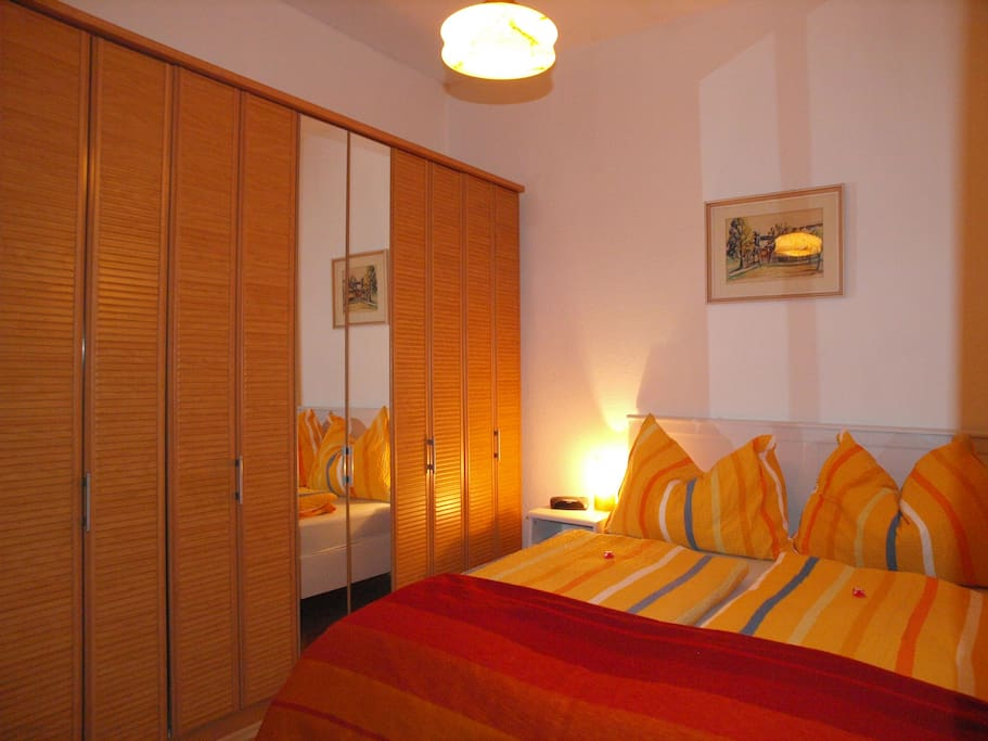Schlafzimmer / bedroom - double bed or 2 single beds. Very quiet
