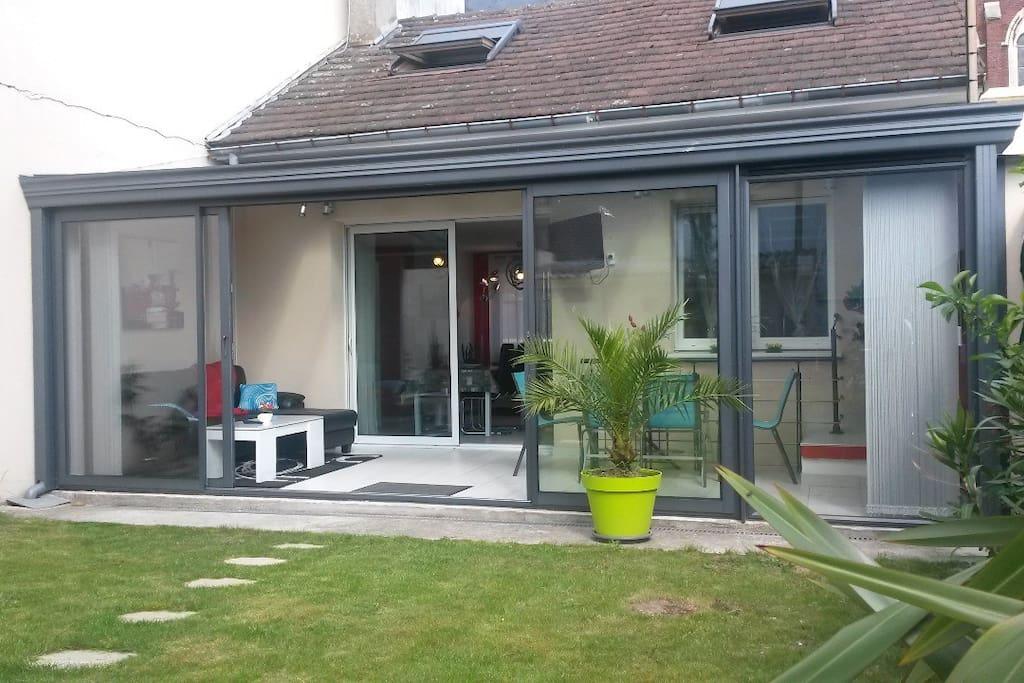charmante maison v randa parking maisons louer sotteville l s rouen haute normandie. Black Bedroom Furniture Sets. Home Design Ideas