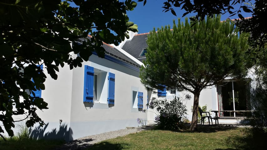 Beautiful house 300m from beach - Groix