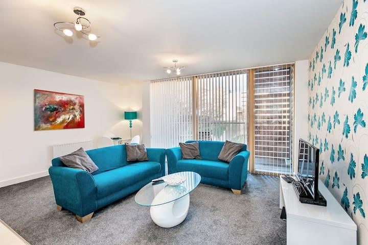 Lovely 3-Bed Serviced Apartment - Milton Keynes - Byt