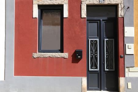 Casa da Viola - T1 Duplex - Faro - Huis