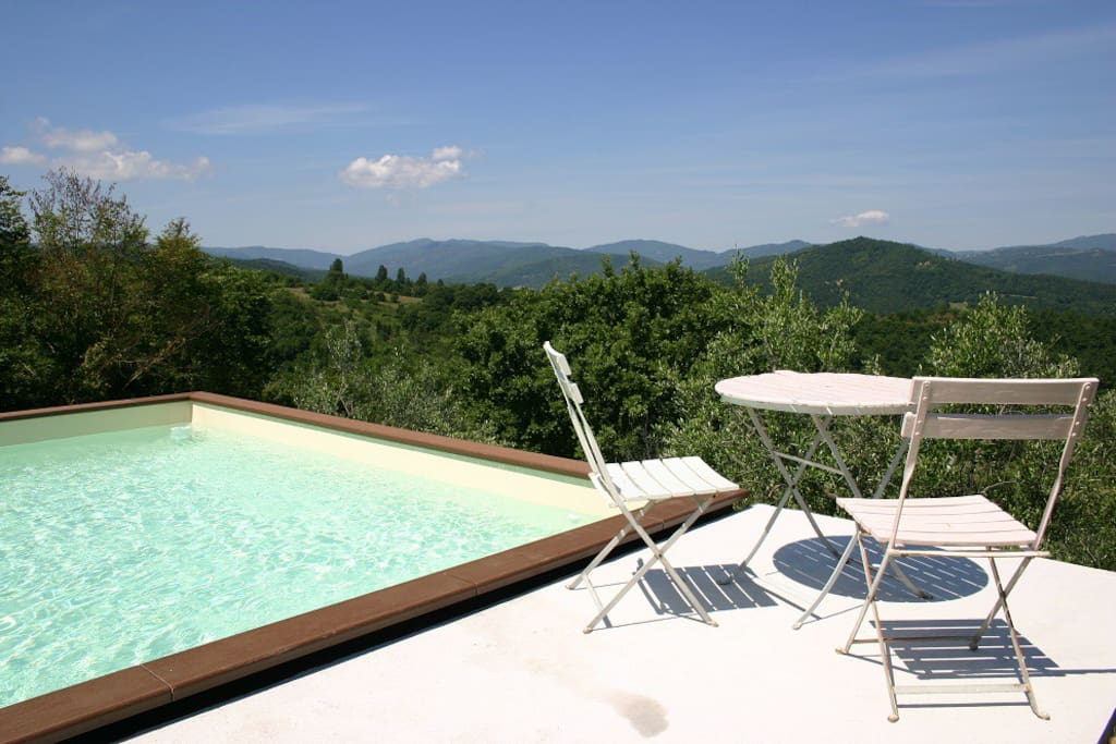 Infinity pool and view over Tuscany