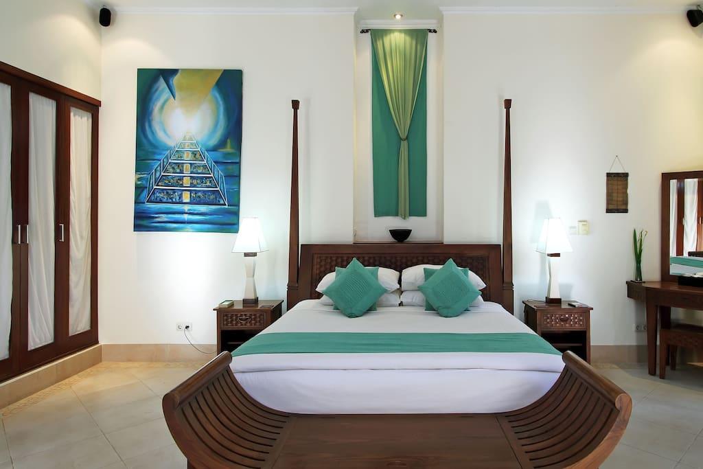 Special Price 4 BR Luxuruly  Villa