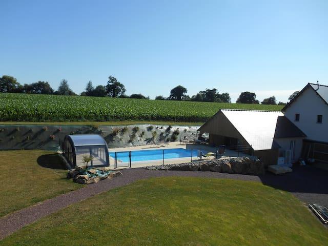 Gite de charme,cadre exceptionnel, piscine, tennis - Saint-Jean-des-Champs - Ev