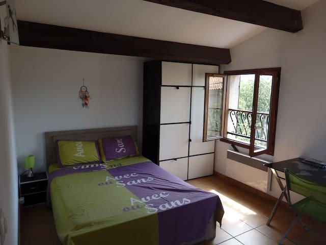 B&B Spacious room - Private terrace and bathroom - Marsilya