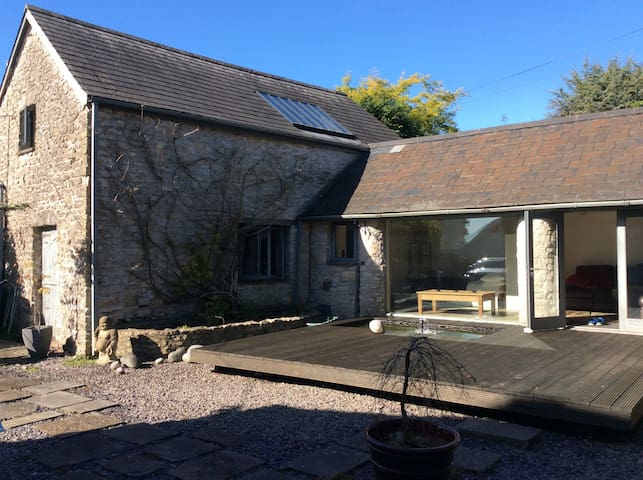 Cosy barn conversion near coast - Colwinston - Hus