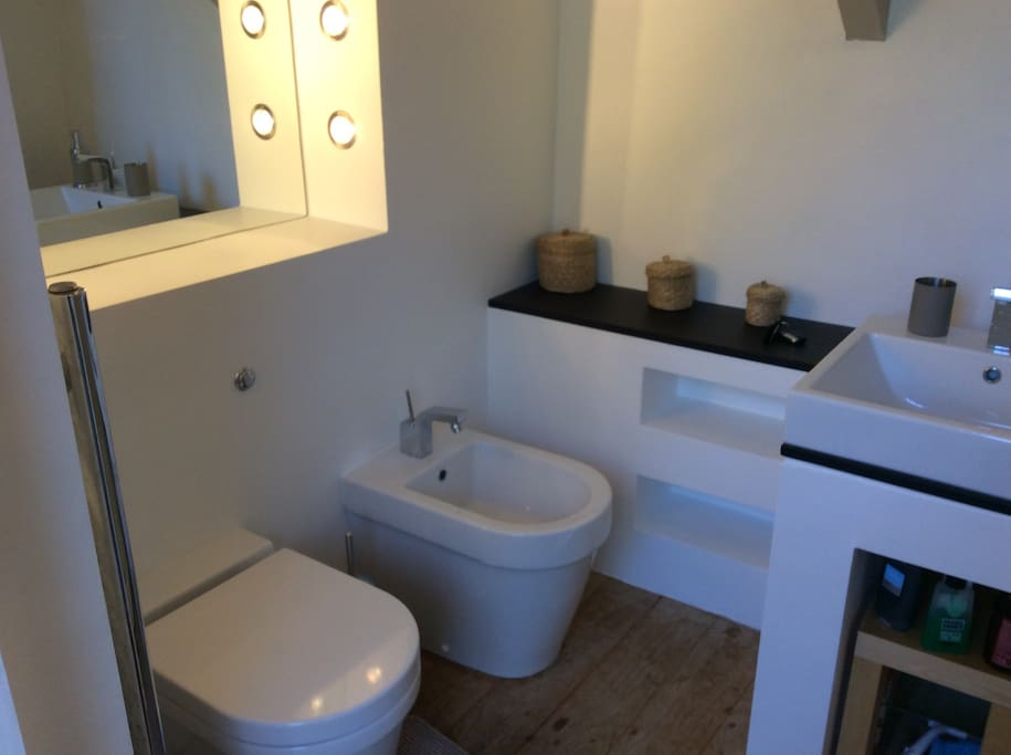 Ensuite bathroom with power shower