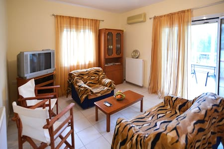 Dimitra Apts Home Χ3 Guest - Ζάκρος - Apartemen