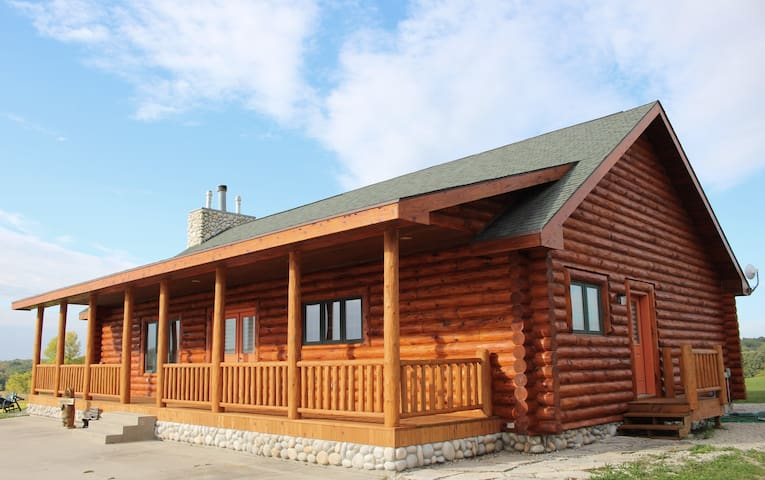 The Cabin at Elkhart Lake, WI - Plymouth - House