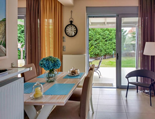 Elegant new maisonette near the sea - Perdika - วิลล่า