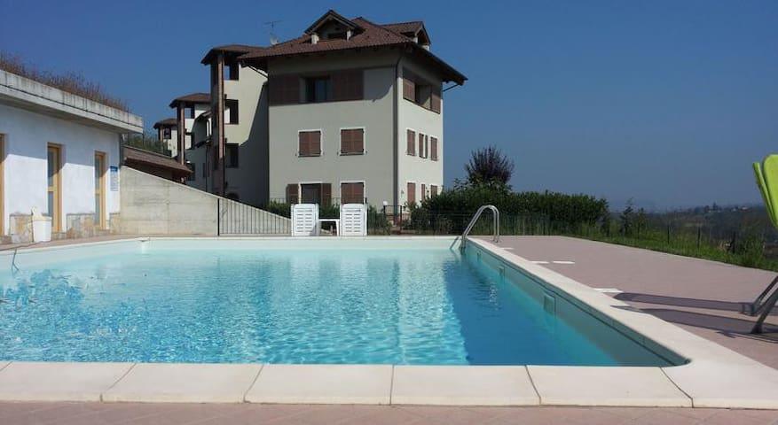 Elegante appartamento con piscina - Borgonovo - Appartement
