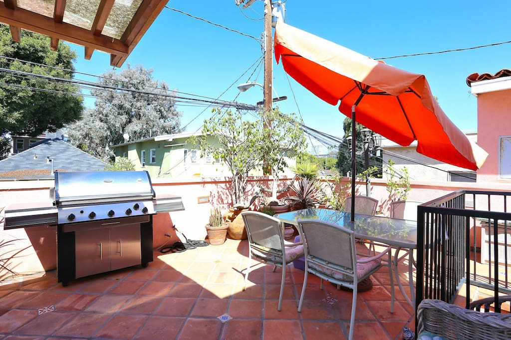 Take your pick of sun and shade on our patio with stainless gas grill and dining for 4!