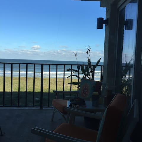 The ocean, the pool, the island air - Fernandina Beach