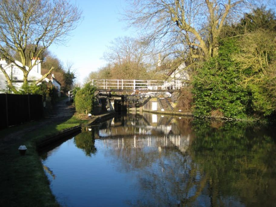 The Grand Union Canal just 5 mins in the car or a 20 minute walk through the country