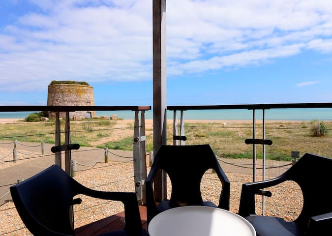Beachfront (2-bed with sea views) - Eastbourne - Lägenhet
