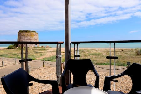 Beachfront (2-bed with sea views) - Eastbourne