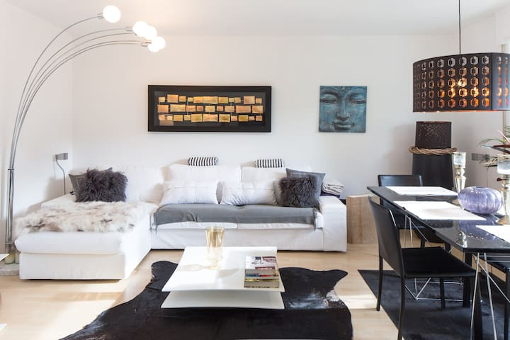 asian charm frankfurt messe 10 min appartamenti in affitto a hofheim am taunus hessen germania. Black Bedroom Furniture Sets. Home Design Ideas