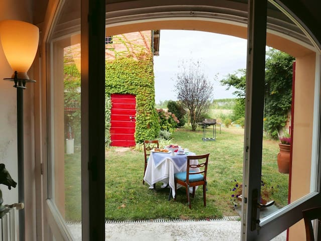 Camere in  CASA COLONICA - Matrimoniale e singola - Modène - Bed & Breakfast