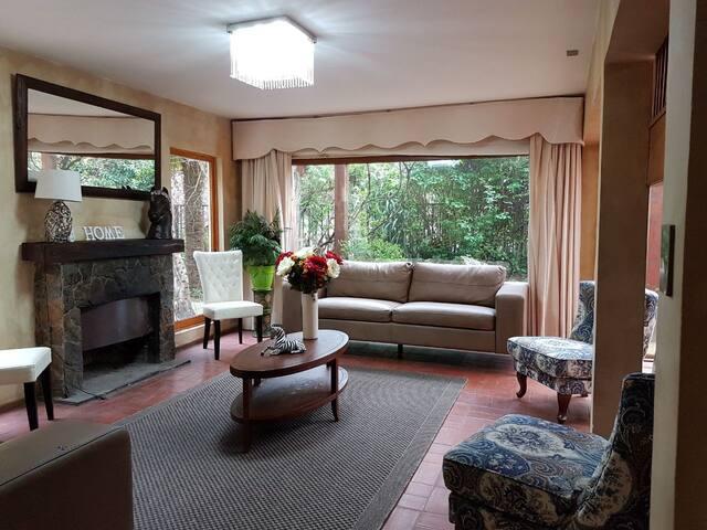Casa con ubicación insuperable. Comoda y linda