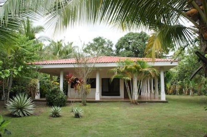 Casa grande en Playa Palo Seco