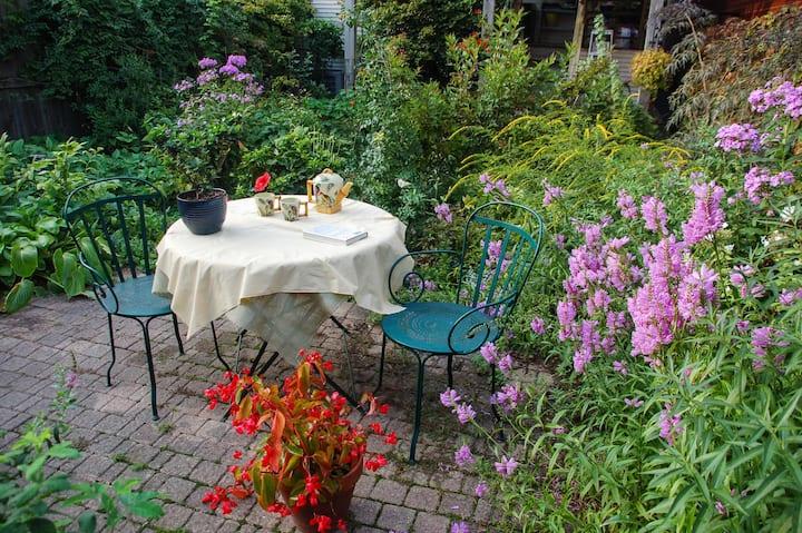 An apartment in a garden