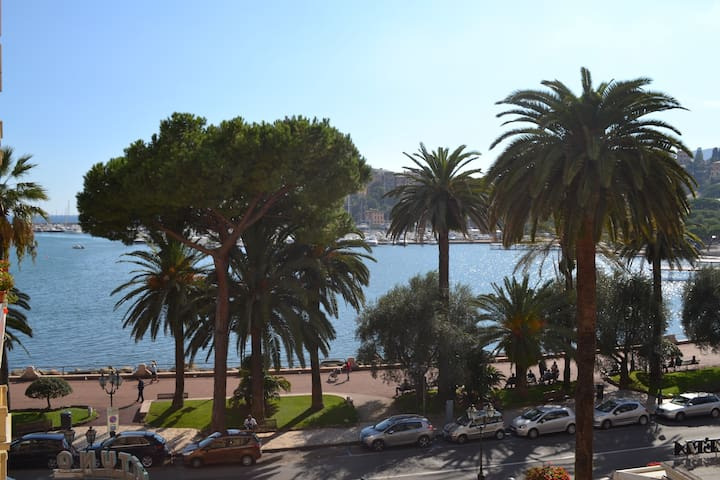 Rapallo, downtown with a lovely seaview - Rapallo - Apartemen