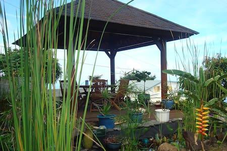 studio en RDC de maison - Saint Leu